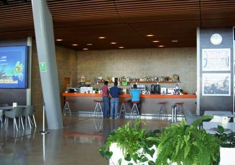cafeteria-aeropuerto-leon-rf_526236
