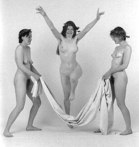three-graces-jumping-22_4