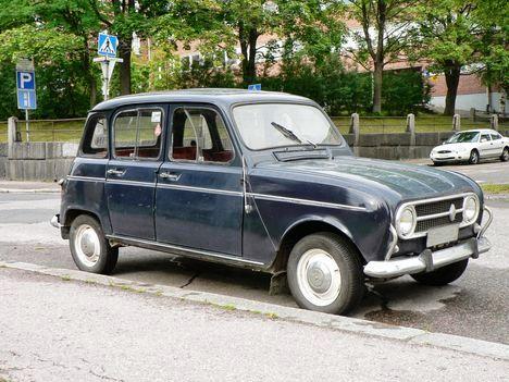 Renault_4-3
